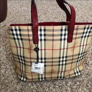 Burbbery tote authentic